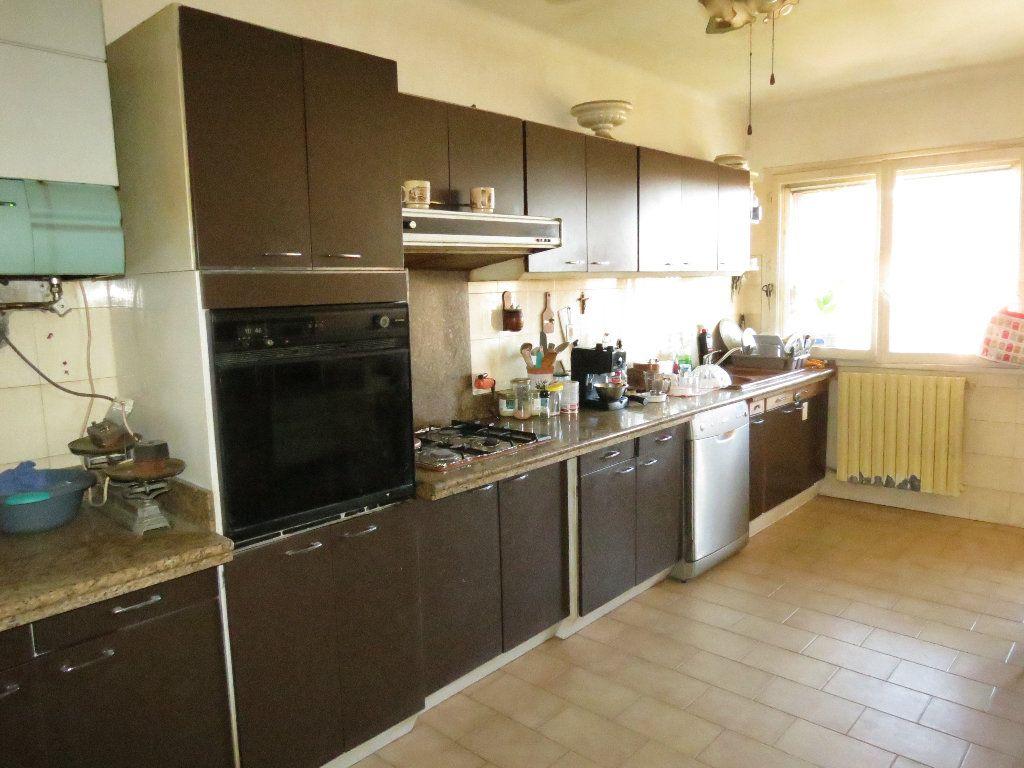 Maison à vendre 9 411.63m2 à Nîmes vignette-8