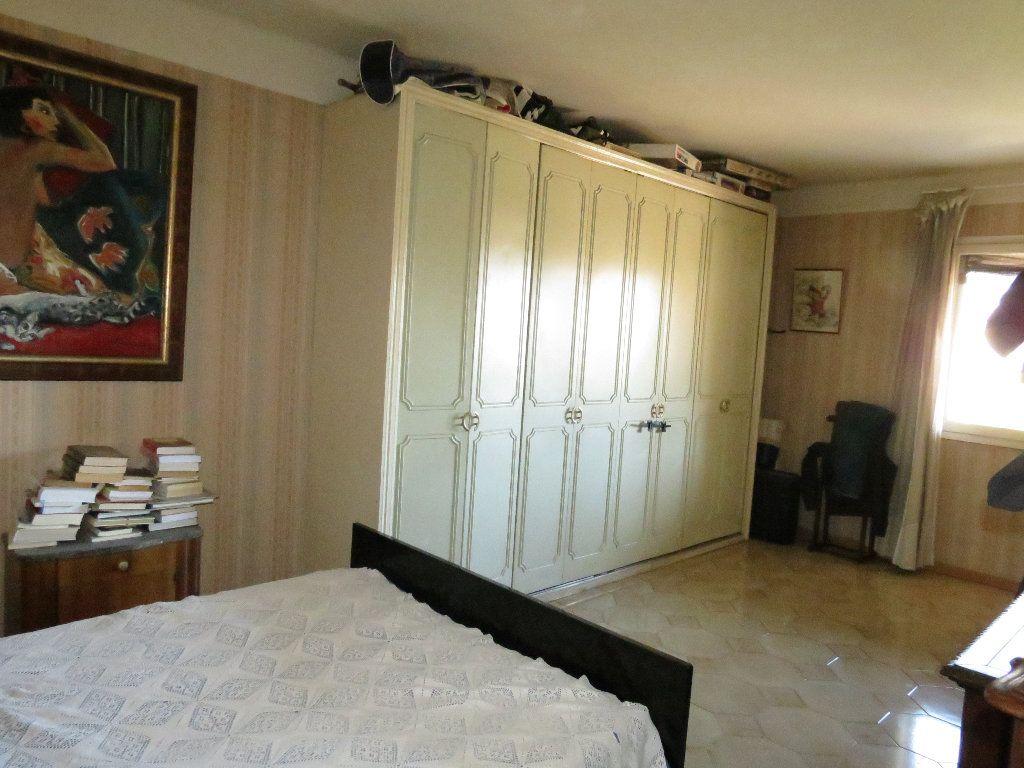 Maison à vendre 9 411.63m2 à Nîmes vignette-9