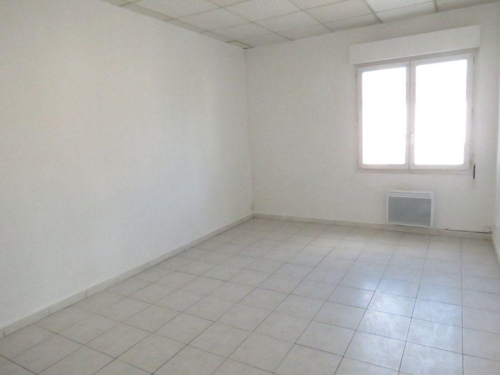 Immeuble à vendre 0 120m2 à Marguerittes vignette-1