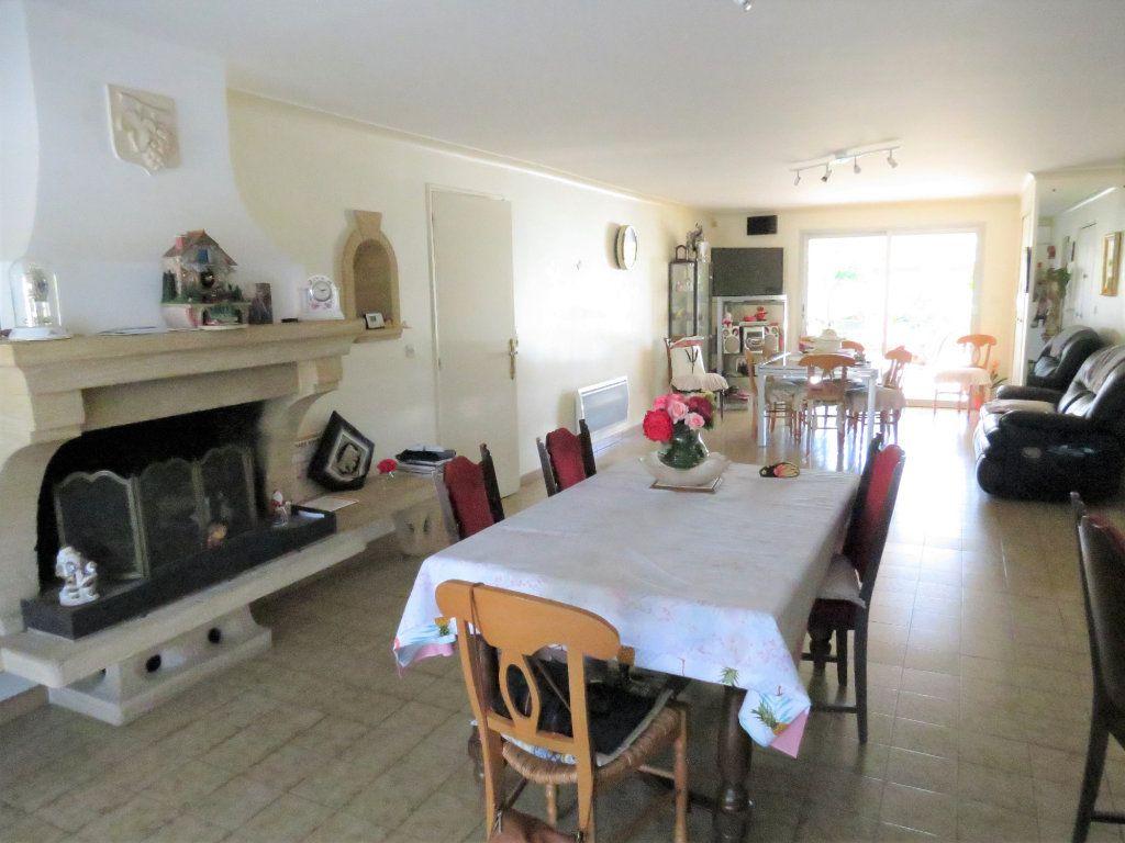 Maison à vendre 11 227m2 à Manduel vignette-9