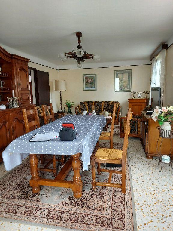 Maison à louer 6 106m2 à Marguerittes vignette-3