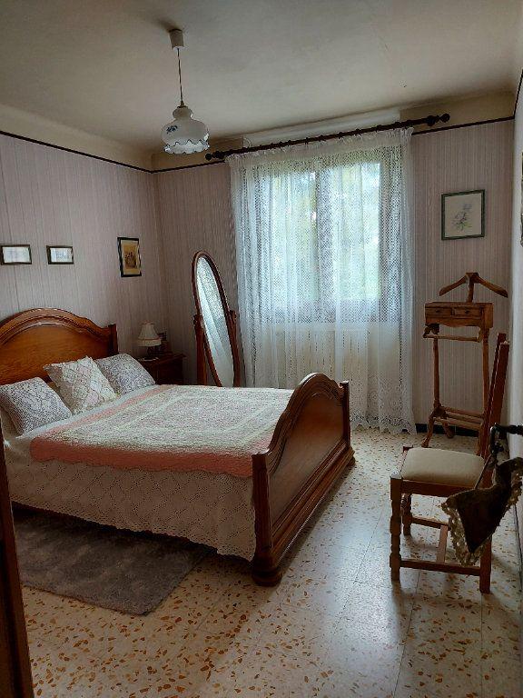 Maison à louer 6 106m2 à Marguerittes vignette-4