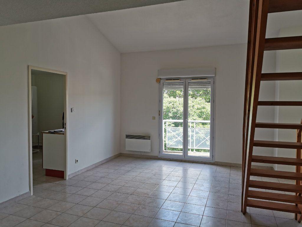 Appartement à louer 3 74m2 à Marguerittes vignette-2