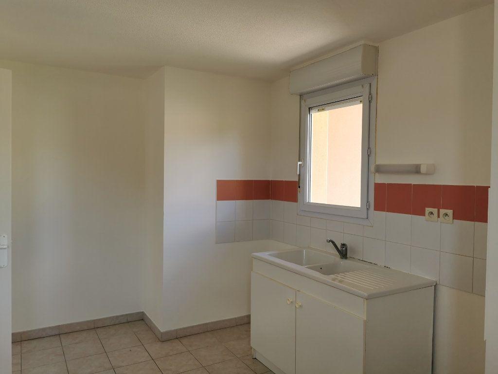 Appartement à louer 3 74m2 à Marguerittes vignette-3
