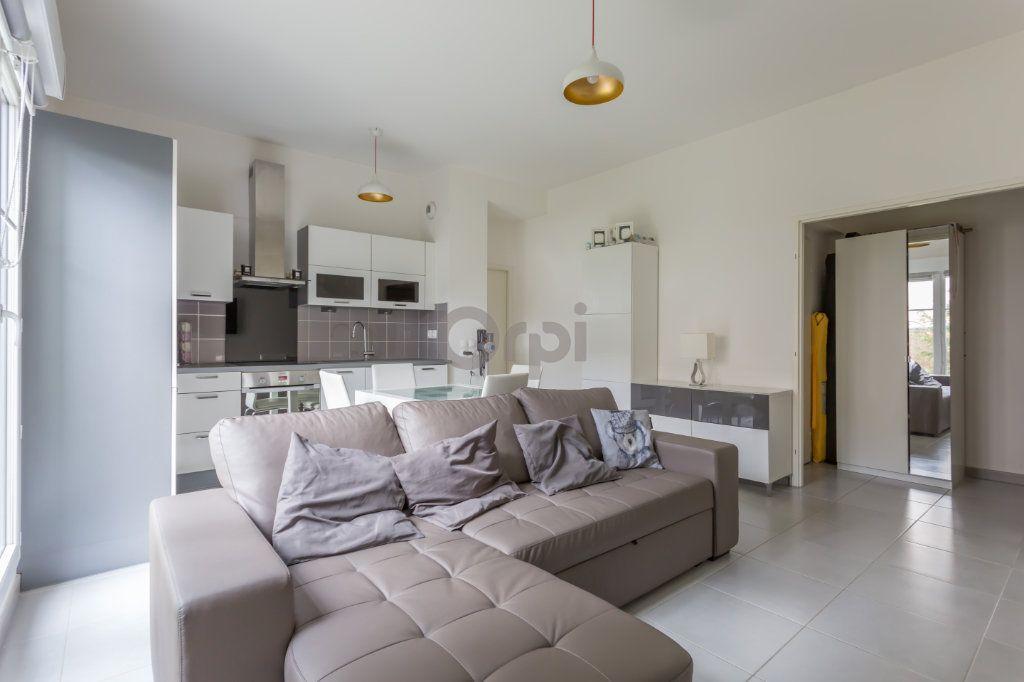 Appartement à vendre 3 64.72m2 à Crosne vignette-2