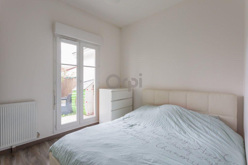 Appartement à vendre 3 64.72m2 à Crosne vignette-4