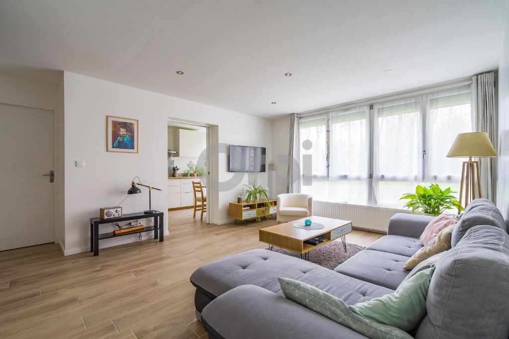 Appartement à vendre 4 75.24m2 à Crosne vignette-1