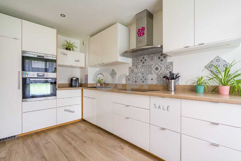 Appartement à vendre 4 75.24m2 à Crosne vignette-6