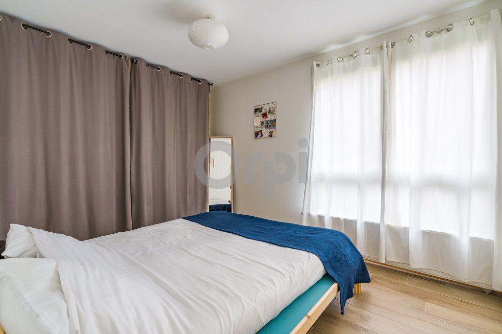Appartement à vendre 4 75.24m2 à Crosne vignette-7