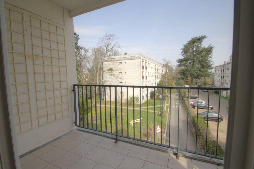 Appartement à vendre 5 98.02m2 à Olivet vignette-4