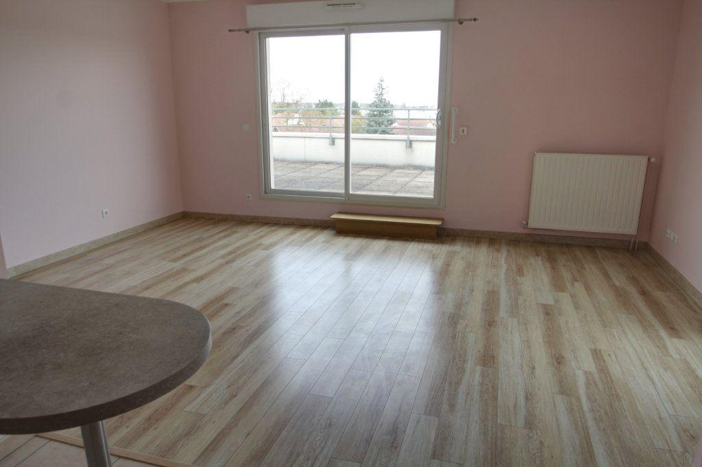 Appartement à vendre 3 73.8m2 à Ormes vignette-3