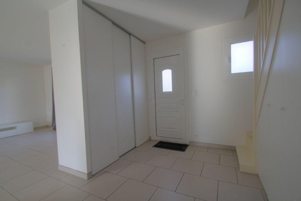 Maison à vendre 5 114m2 à Saran vignette-5