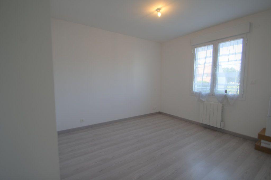 Maison à vendre 5 114m2 à Saran vignette-8
