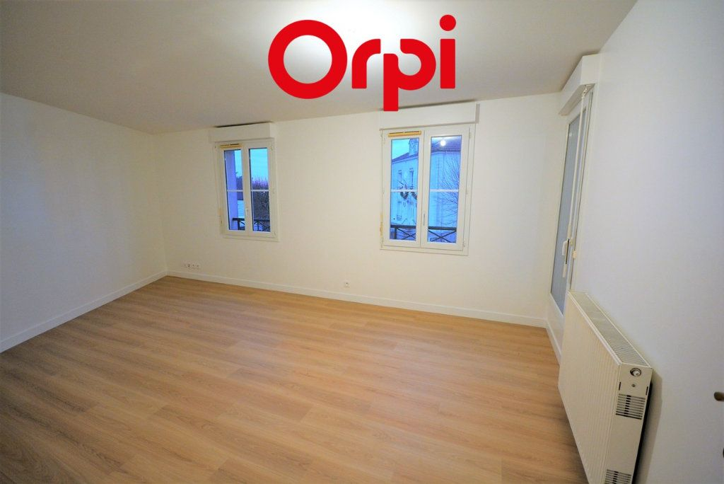 Appartement à vendre 3 57m2 à Chanteloup-en-Brie vignette-2