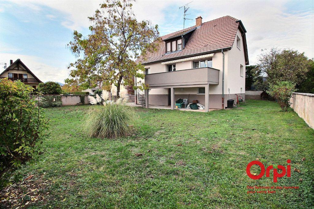 Maison à louer 6 140m2 à Houssen vignette-1