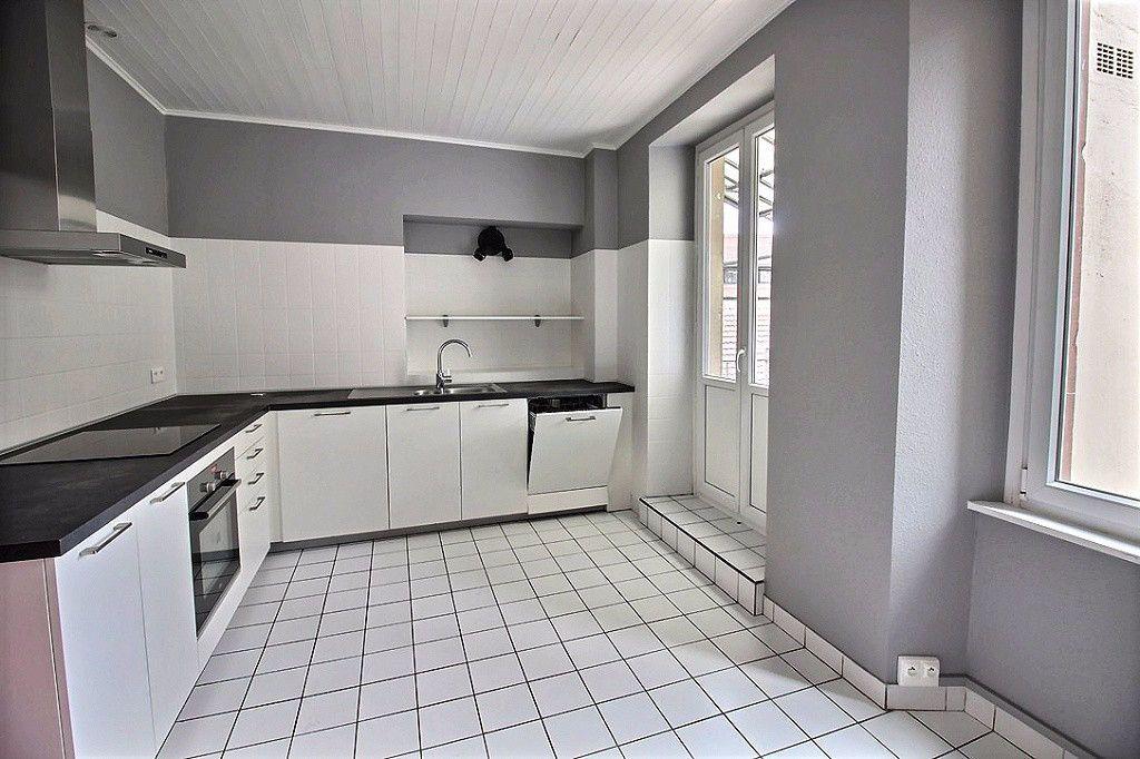 Appartement à louer 7 180m2 à Colmar vignette-2