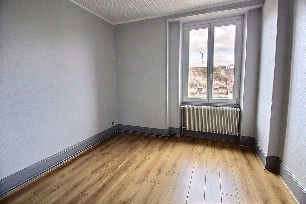Appartement à louer 7 180m2 à Colmar vignette-4