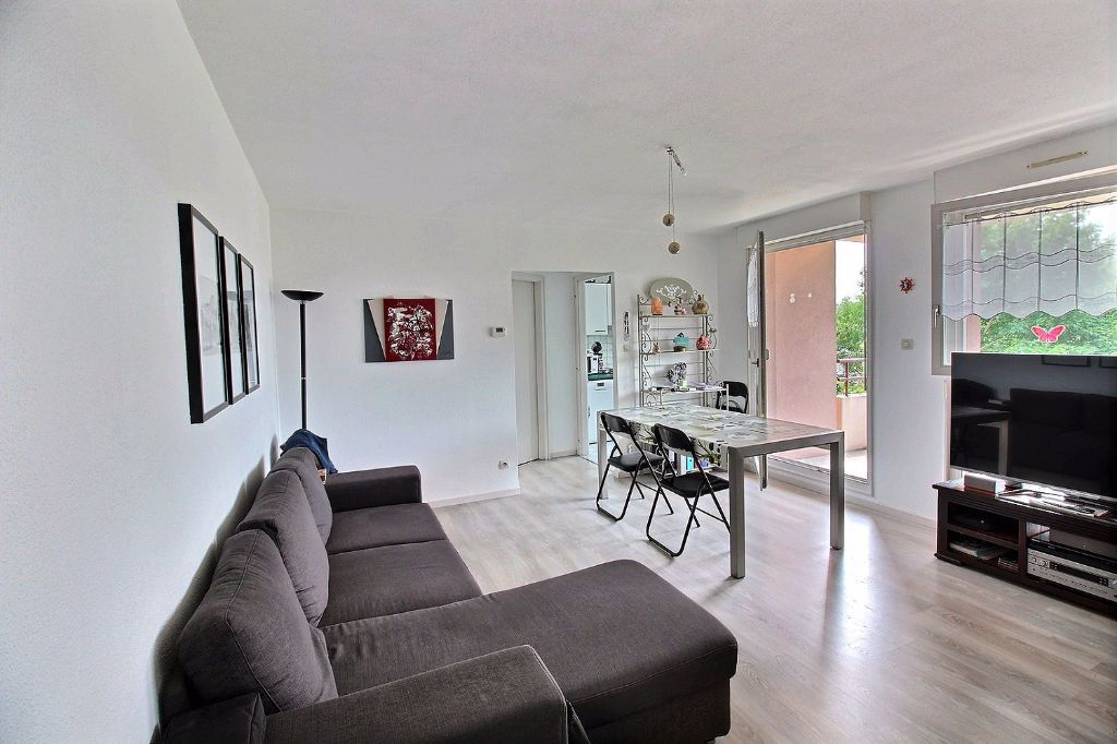 Appartement à louer 2 42m2 à Colmar vignette-2