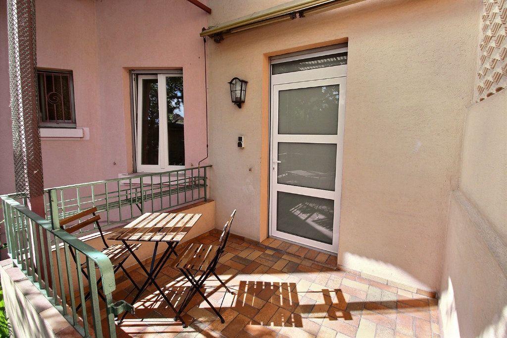 Appartement à louer 1 50m2 à Colmar vignette-2