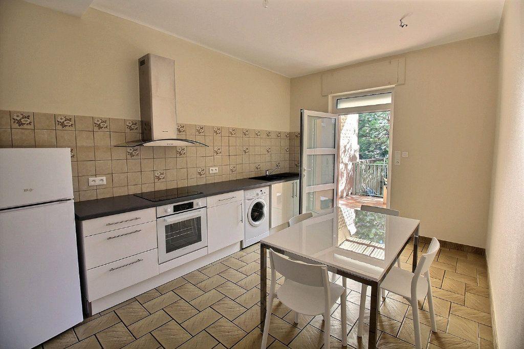 Appartement à louer 1 50m2 à Colmar vignette-3