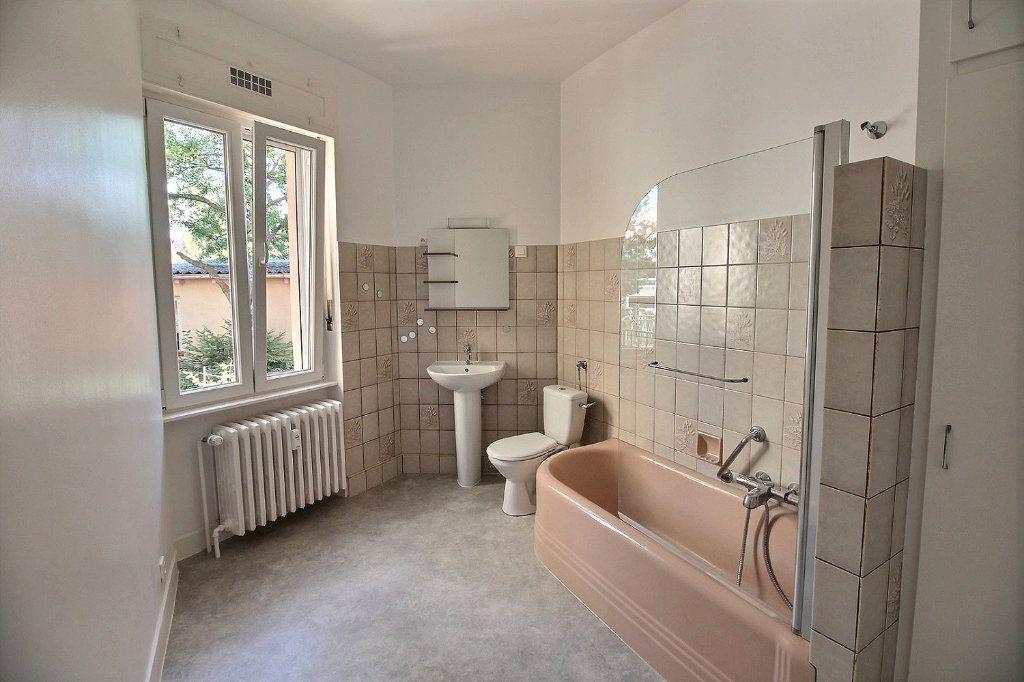 Appartement à louer 1 50m2 à Colmar vignette-5