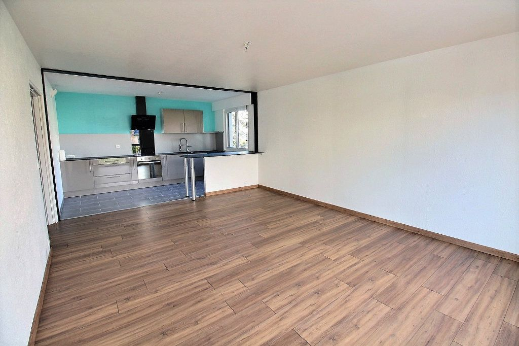 Appartement à louer 2 58.97m2 à Colmar vignette-1