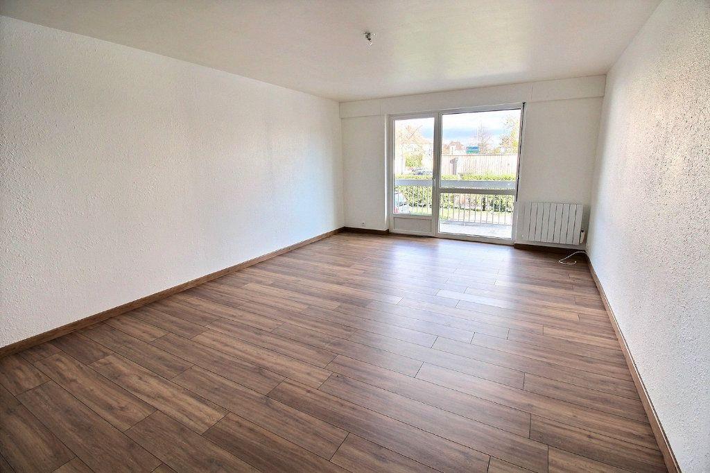 Appartement à louer 2 58.97m2 à Colmar vignette-3