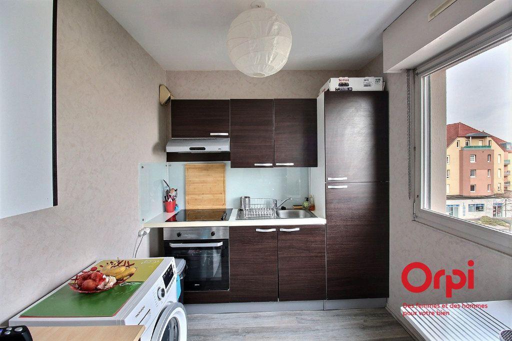 Appartement à louer 1 30.77m2 à Colmar vignette-2