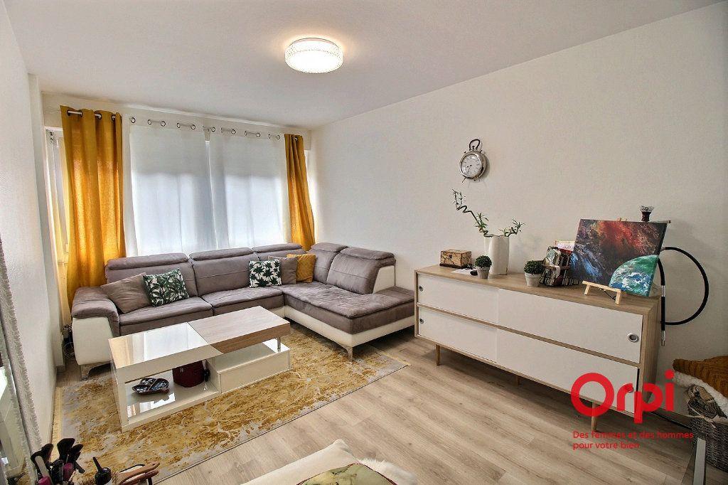 Appartement à louer 2 49.19m2 à Colmar vignette-1