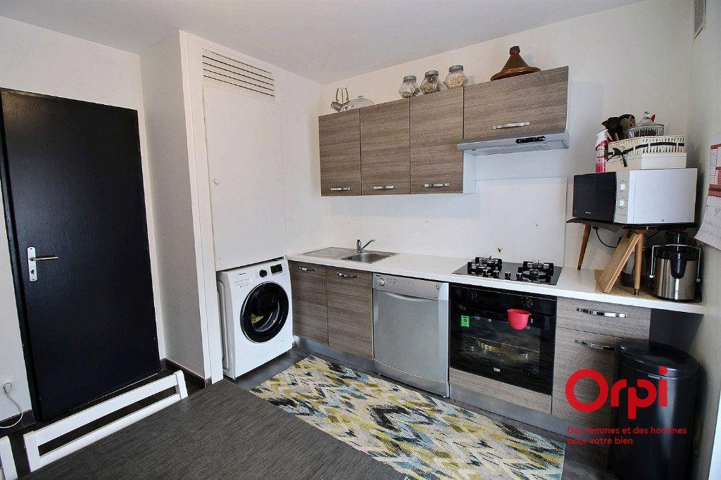 Appartement à louer 2 49.19m2 à Colmar vignette-3