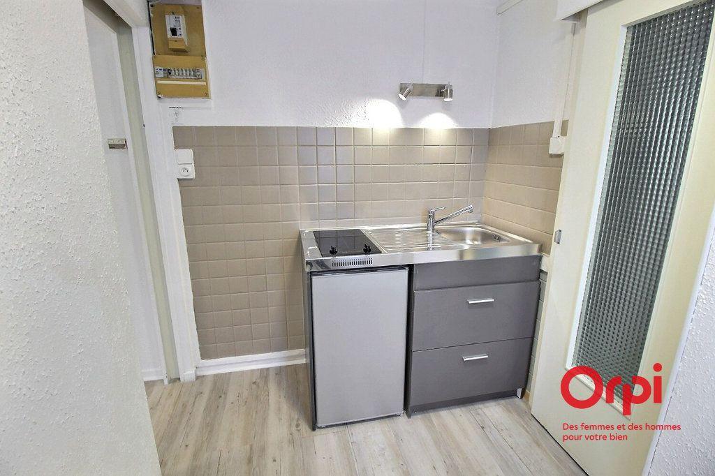 Appartement à louer 1 12.76m2 à Colmar vignette-1