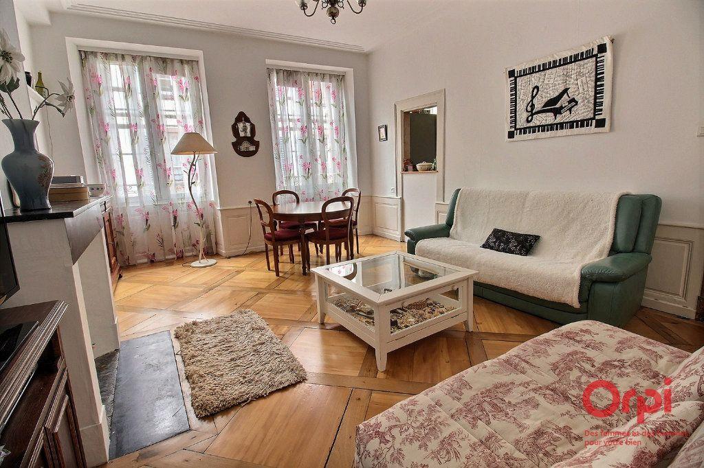 Appartement à louer 4 121m2 à Colmar vignette-2