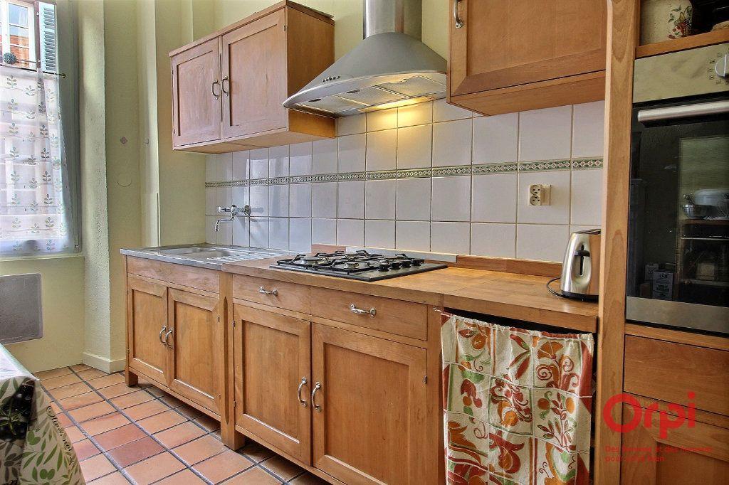 Appartement à louer 4 121m2 à Colmar vignette-4