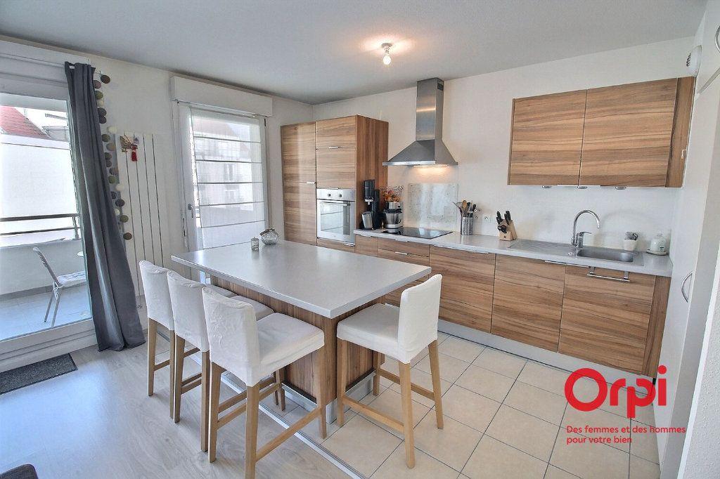 Appartement à louer 3 62m2 à Colmar vignette-2