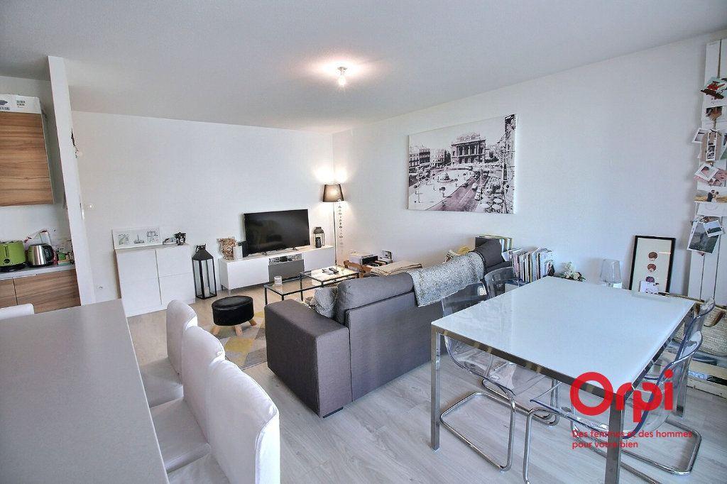 Appartement à louer 3 62m2 à Colmar vignette-3