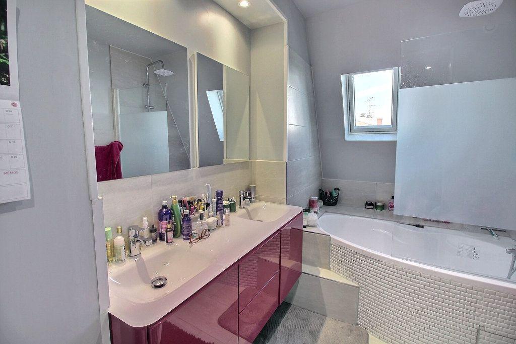 Appartement à vendre 3 72m2 à Colmar vignette-5