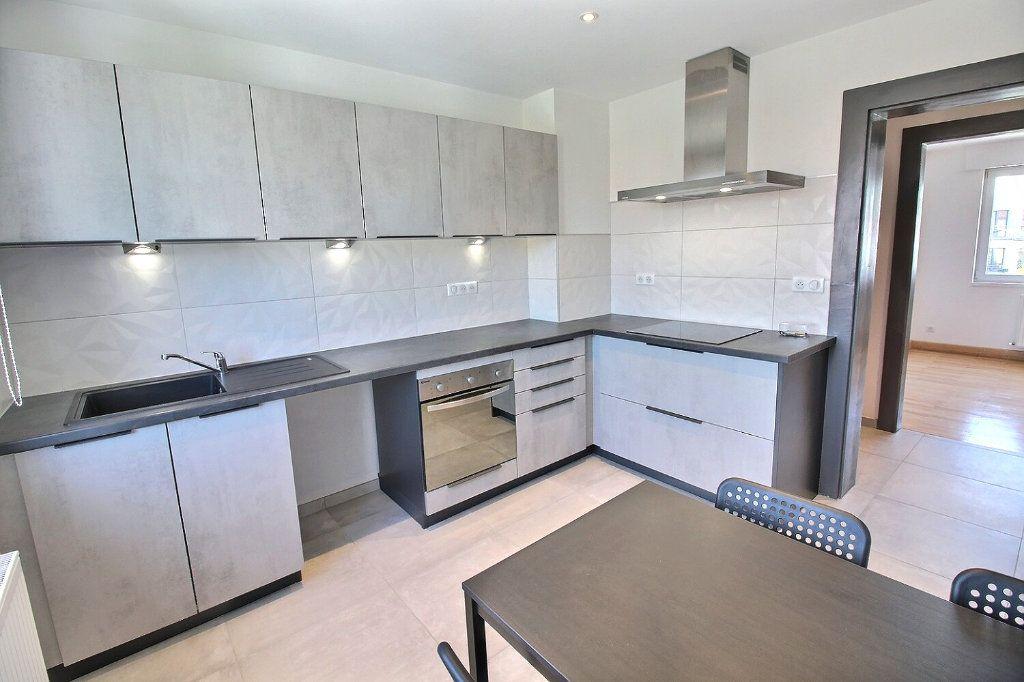 Appartement à louer 3 63.8m2 à Wintzenheim vignette-2