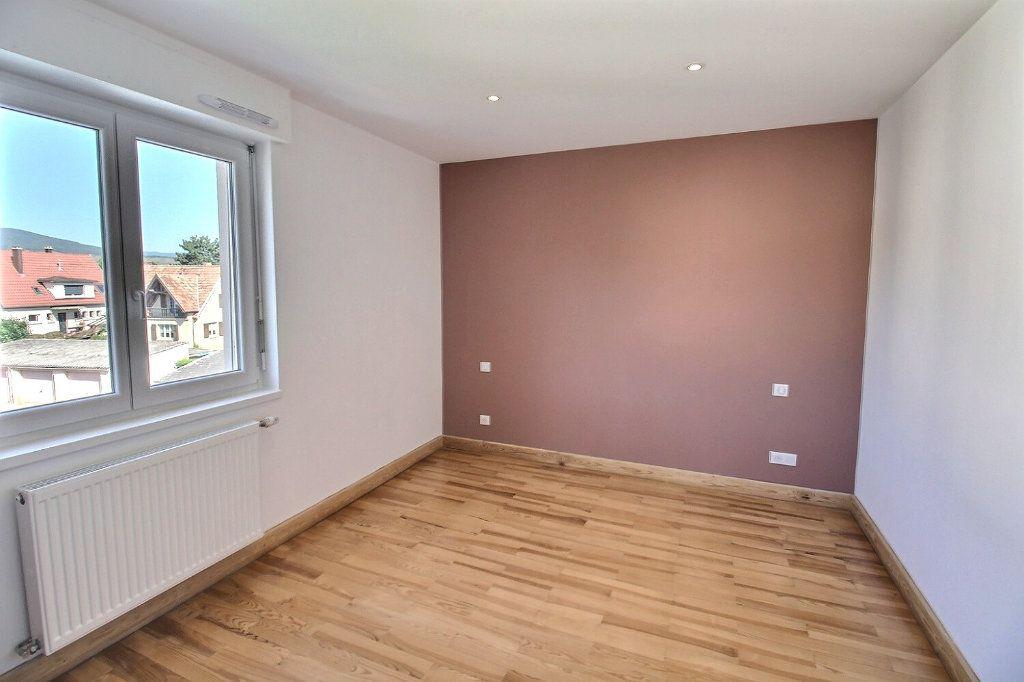 Appartement à louer 3 63.8m2 à Wintzenheim vignette-4