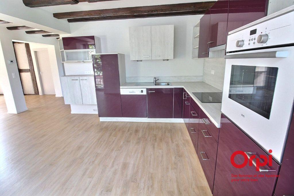 Appartement à louer 6 128m2 à Ensisheim vignette-3