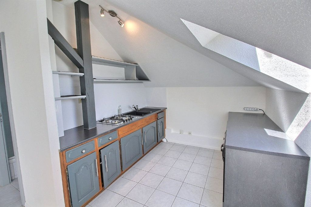Appartement à louer 2 33.66m2 à Horbourg-Wihr vignette-1
