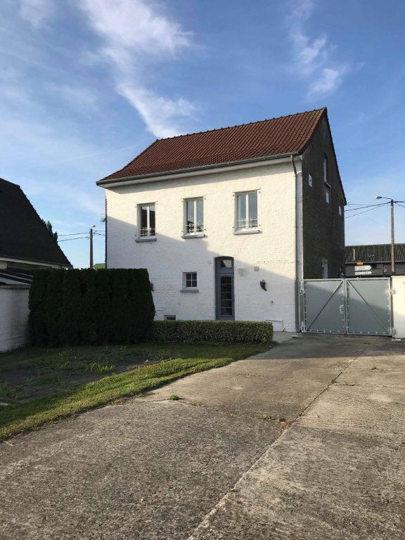 Maison à louer 6 133m2 à Calonne-sur-la-Lys vignette-1