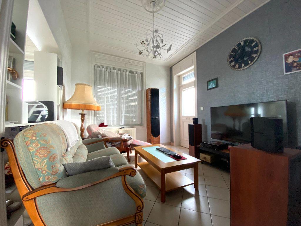 Maison à louer 6 133m2 à Calonne-sur-la-Lys vignette-3