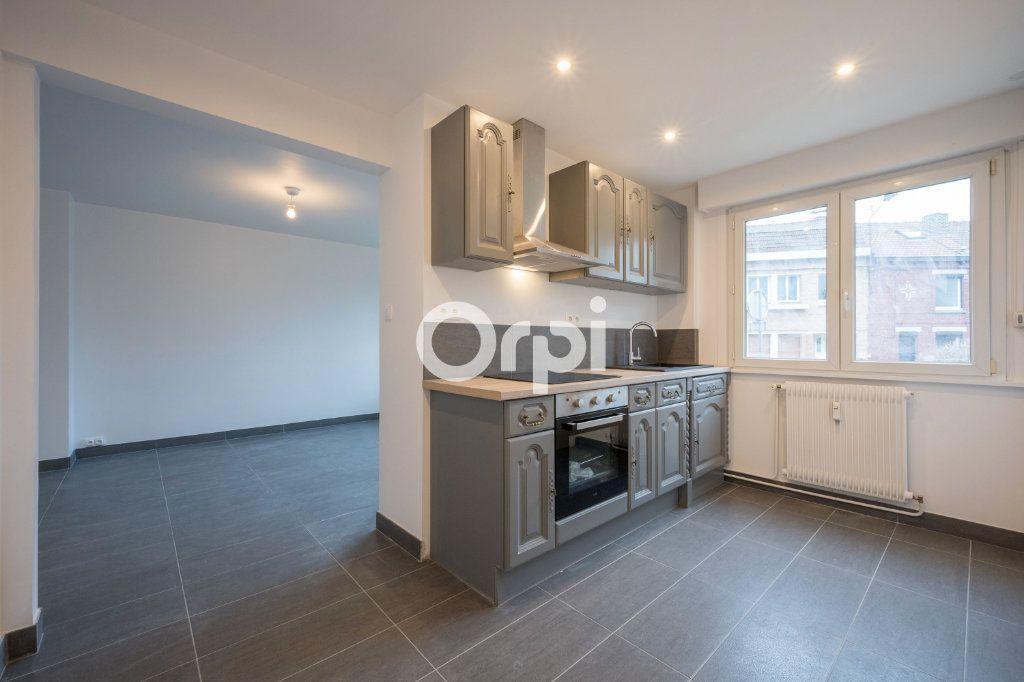 Appartement à louer 3 60m2 à Emmerin vignette-1