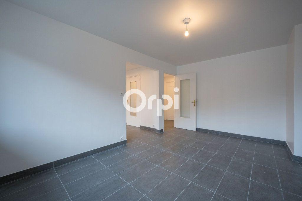 Appartement à louer 3 60m2 à Emmerin vignette-6