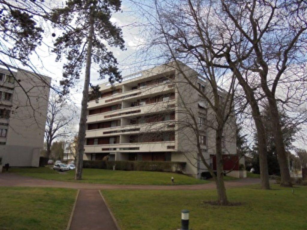 Appartement à louer 4 76.1m2 à Draveil vignette-1