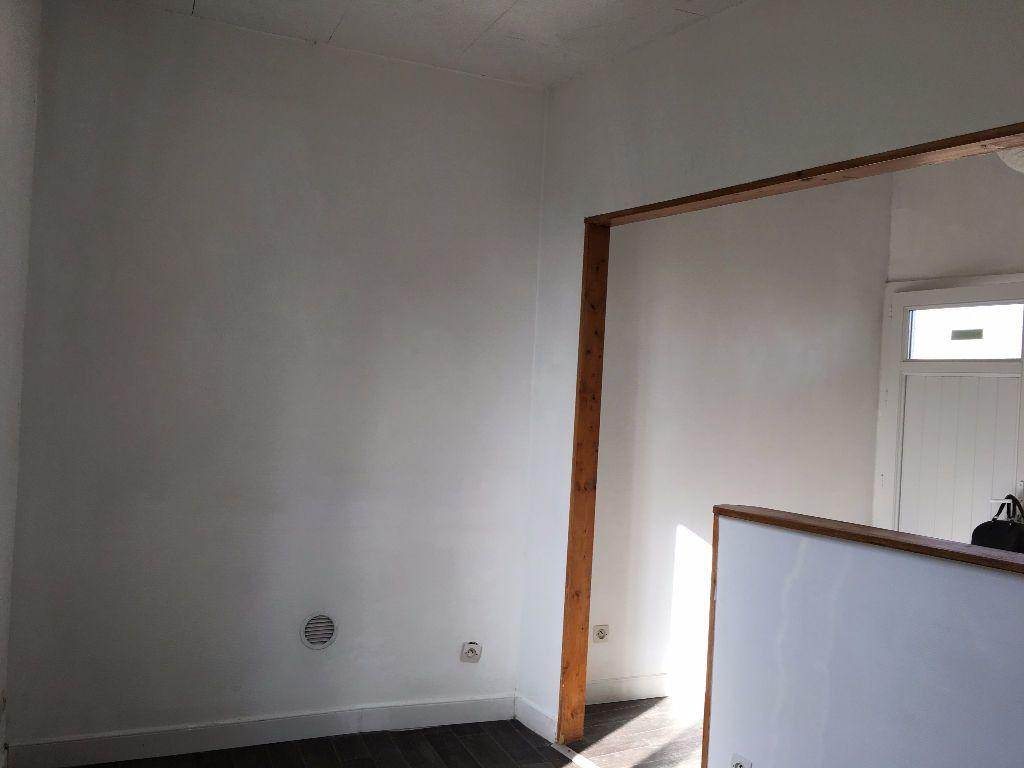 Appartement à louer 2 28.96m2 à Vigneux-sur-Seine vignette-6