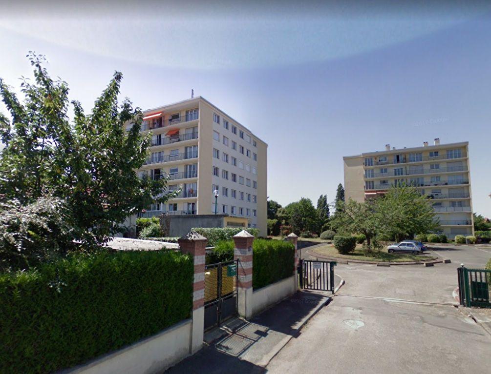 Appartement à louer 2 54m2 à Vigneux-sur-Seine vignette-1
