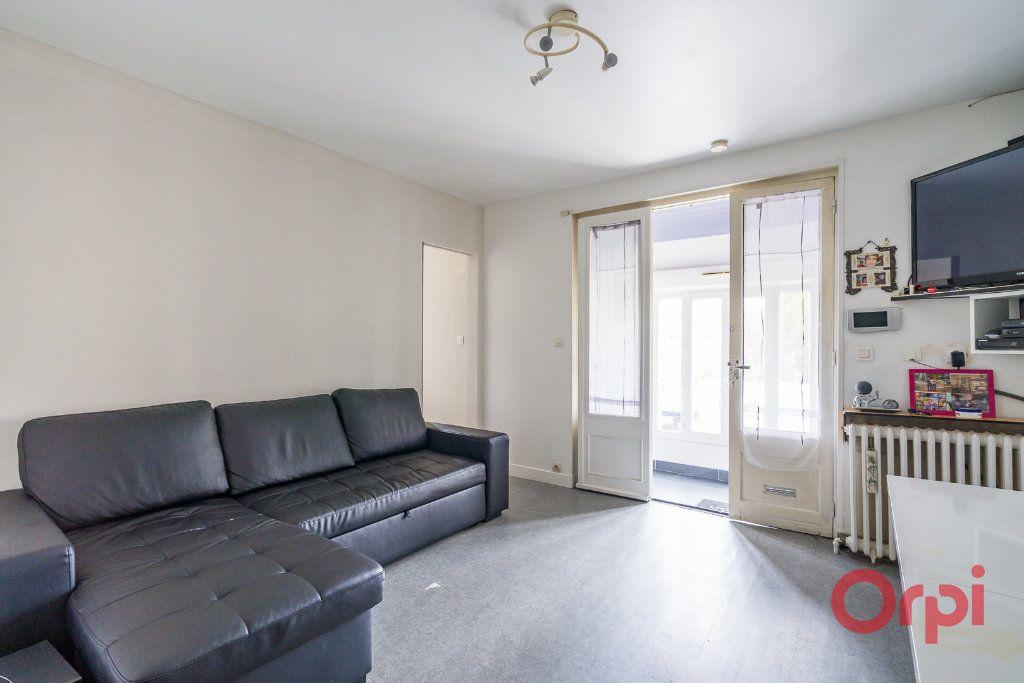 Appartement à vendre 3 63m2 à Vigneux-sur-Seine vignette-3