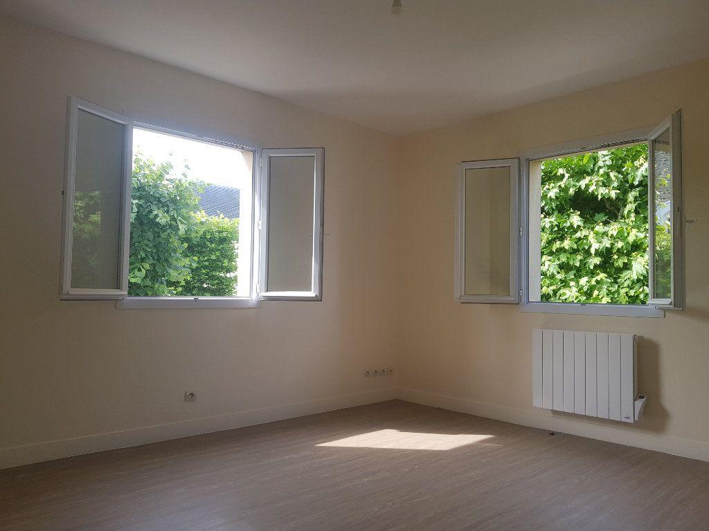 Appartement à louer 2 42.9m2 à Vigneux-sur-Seine vignette-1