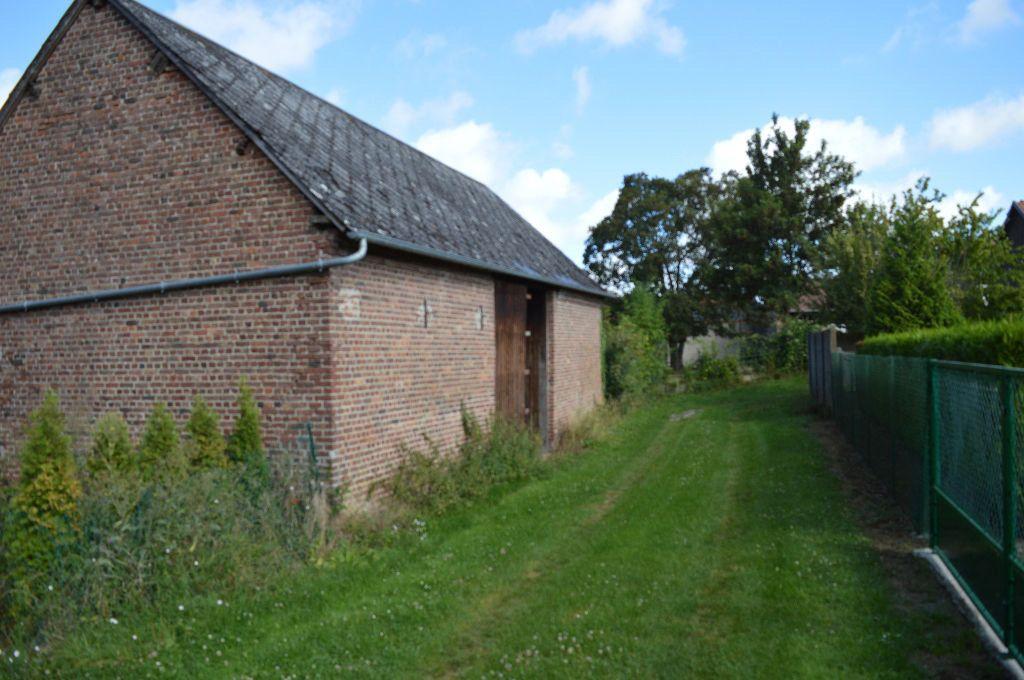 Maison à vendre 3 135m2 à Guerbigny vignette-6